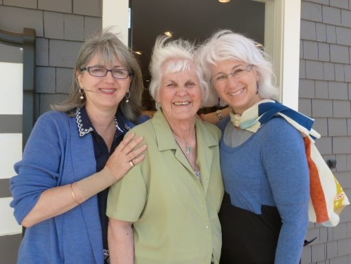 Jane, Mum (Thelma Bliss) and Christine outside Mrs. Nicholson Home.
