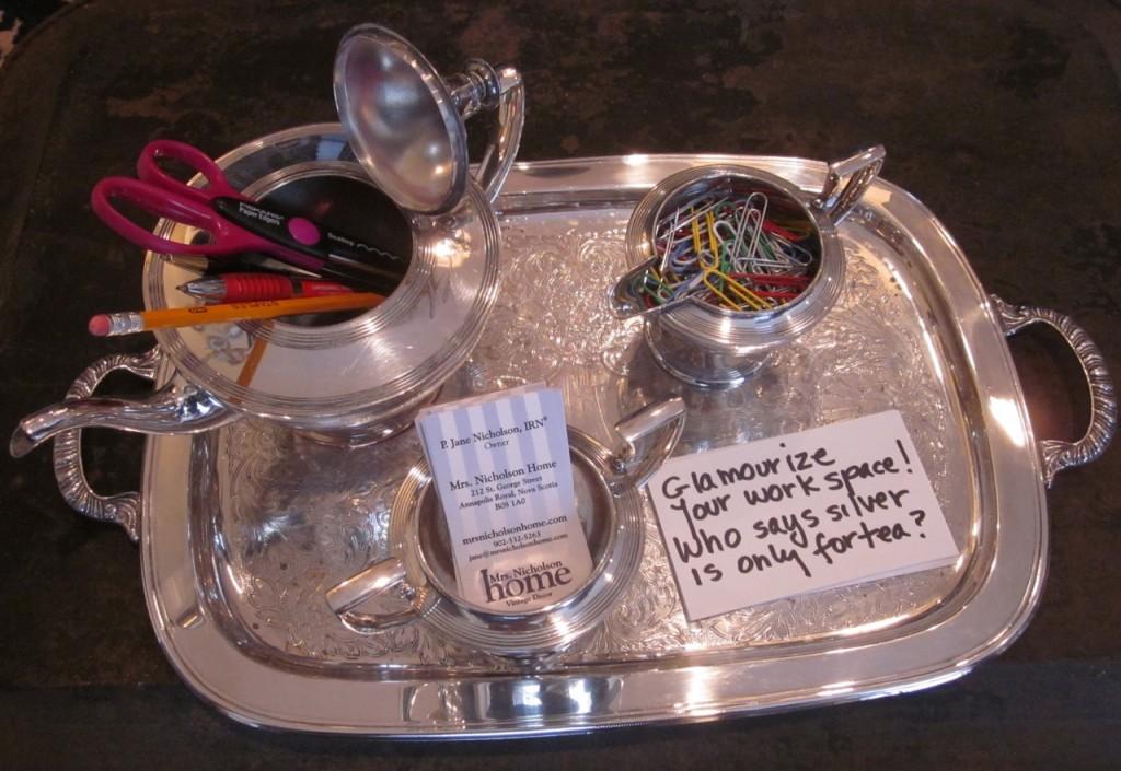 Vintage tea set as a glamourous office set! ($65)
